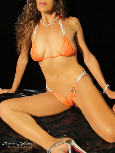 Dream-Luxury Luxus String-Bikini aus Shiny mit Strass-Applikationen verfügbar in 11 Farben
