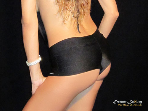 Dream-Luxury Hotpant made of Nylon-Spandex with application of rhinestones available in 17 colours