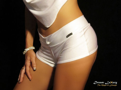 Dream-Luxury Hotpant made of Nylon-Spandex available in 17 colours